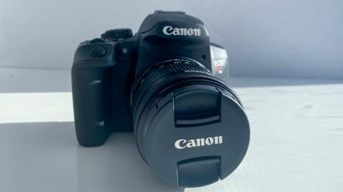 Canon EOS Rebel T8i